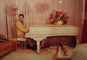 рояль Элвиса Пресли Knabe & Co. Baby Grand piano, oldies.ru