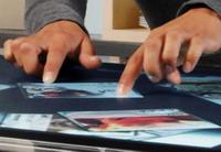 Умный столик поддерживает работу с iTunes, может копировать фотографии и видео с цифровых камер,3dnews.ru
