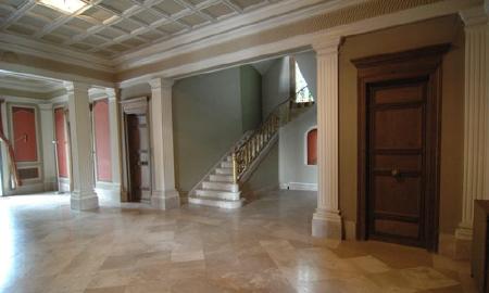 Интерьер особняка, в котором жил президент Мануэль Азана, в городе Матадапера, Испания
