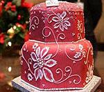 Новогодний стол украсит торт с рубинами