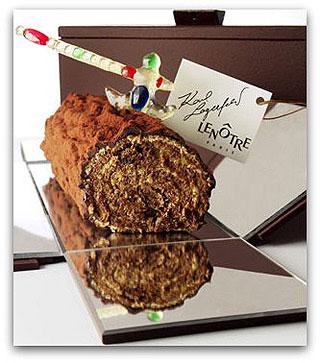 Французские модельеры и кондитеры доработали торт Полено к Новогоднему столу