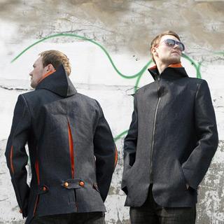 Кристофер Ивс создал необычную модель куртки для двоих