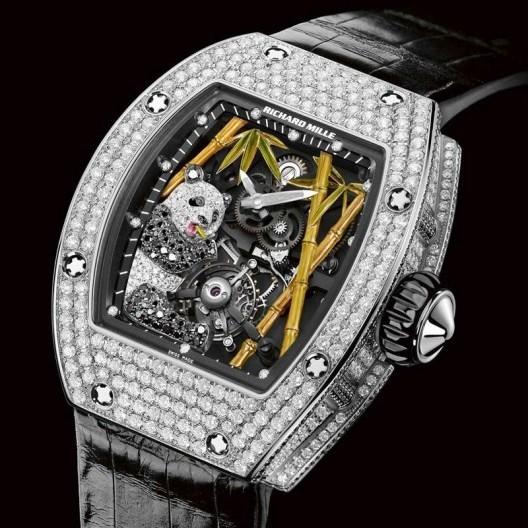 Часы фирмы Richard Mille украшает бриллиантовая панда
