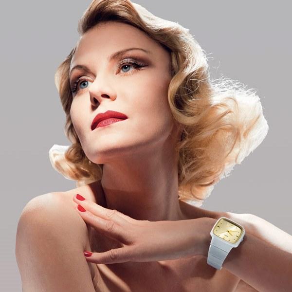 Рената Литвинова стала лицом новой коллекции швейцарских часов