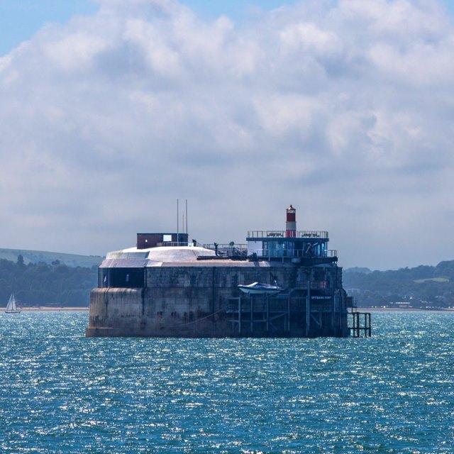 Бывший военно-морской форт XIX века превратили в шикарный отель