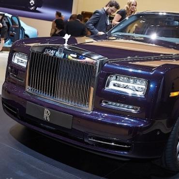 Бриллиантовые звезды модели Celestial Phantom от Rolls Royce раскрывает загадки космоса