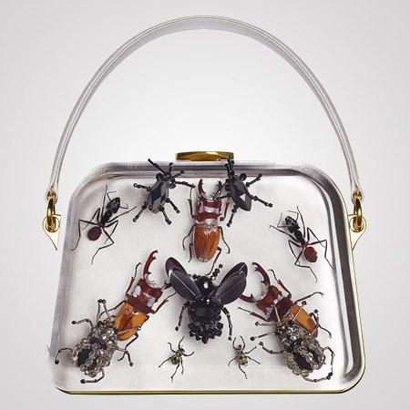 Модный дом Prada украсил свои сумки из новой коллекции Entomology жуками и пауками