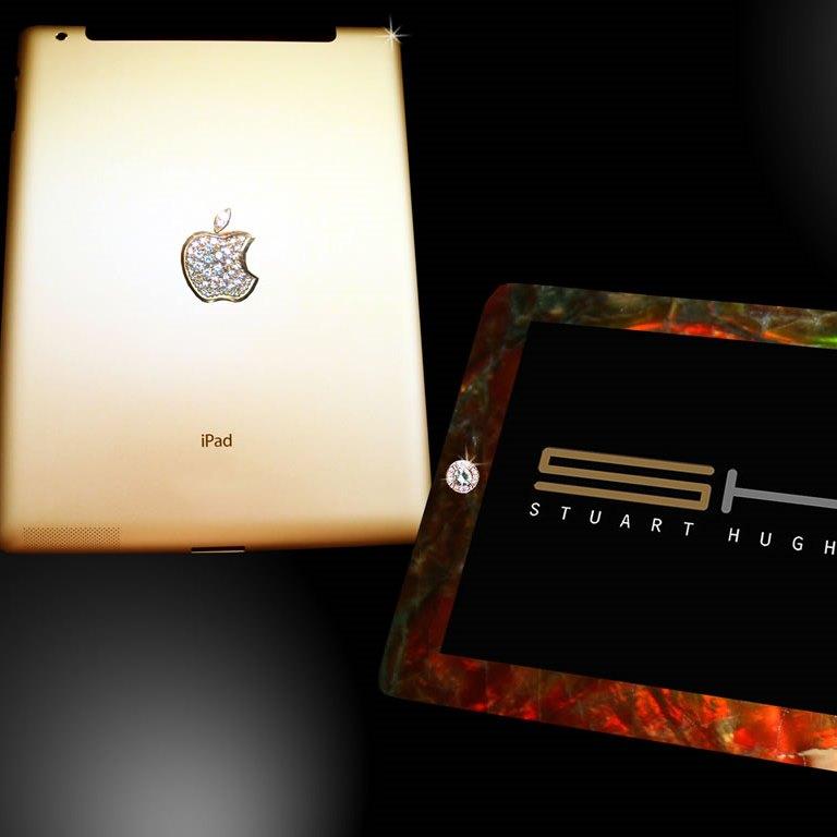 Драгоценный планшет от Apple украсили костью динозавра