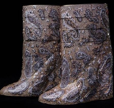 Бриллиантовые сапоги для роскошных модниц стоят $3.100.000
