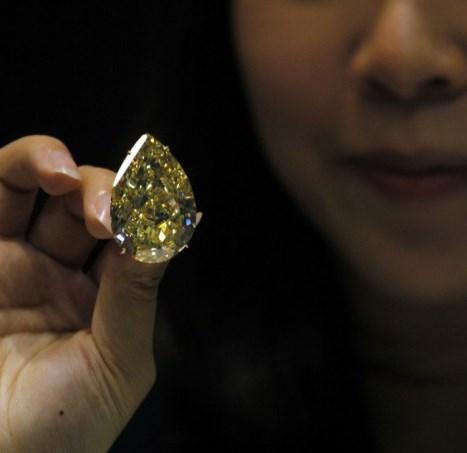 Уйдёт с молотка самый большой в мире оранжевый бриллиант