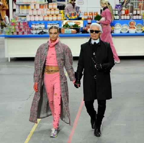 В Chanel устроили грандиозный «шопинг в супермаркете»