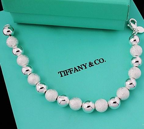 Границы Tiffany достигли России
