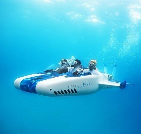 По проекту Ричарда Брэнсона создали «подводный самолёт»
