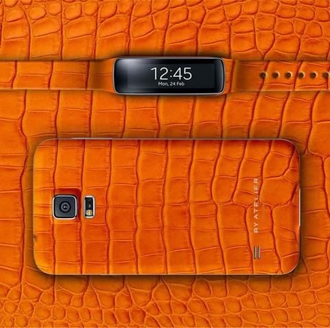 Samsung Galaxy S5 приоденут в кожаный чехол с ремешком Gear Fit за $2.500