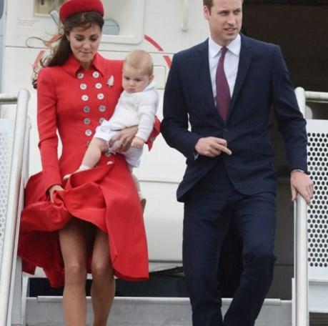 Стройные ножки Кейт Миддлтон: Елизавета II против…