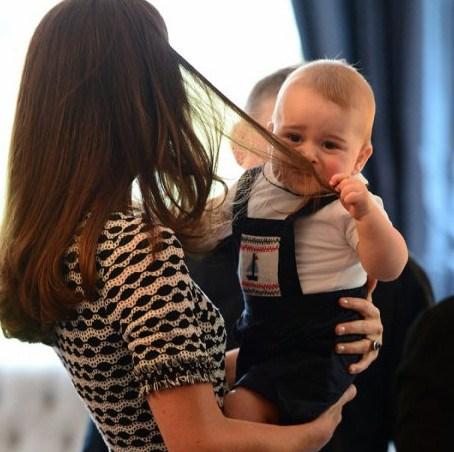 Принц Джордж и локоны Кейт Миддлтон очаровали Новую Зеландию