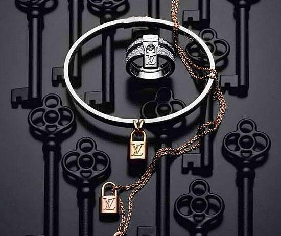 Серия роскошных украшений с замочками от Louis Vuitton