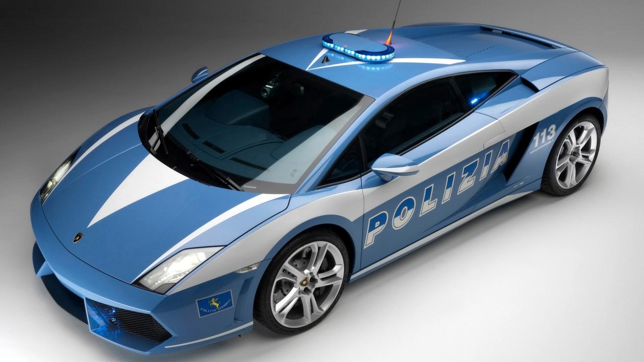 От суперкара марки Lamborghini Huracán LP 610-4 Polizia не скроется даже итальянская мафия