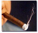 Пожилой кубинец крутит самые большие в мире сигары