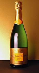 Бесценное шампанское обнаружено в замке в Шотландии