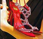 Дизайнеры соревнуются в создании рубиновых туфелек из сказки