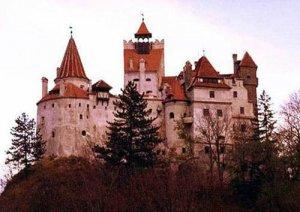 Замок Бран - знаменитый замок Дракулы в Трансильвании - поистине самое...
