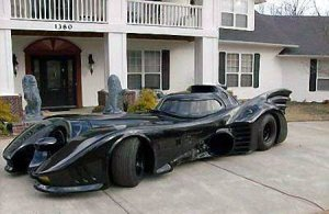 Легендарная машина Бэтмена выставлена на продажу