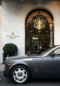У Парижского отеля теперь есть свой фирменный Rolls-Royce Phantom