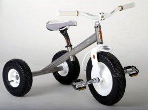 Детский велосипед, не поддающийся разрушению