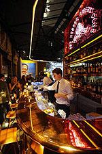 Жаркий ночной клуб в холодном Лондоне от Prada