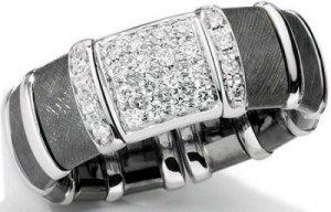 Обама дарит жене бриллианты