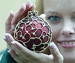 Драгоценный новогодний шар сделали в Германии