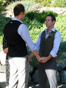 Однополые бракосочетания помогут спасти свадебный бизнес