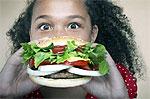 Огромная компенсация отравившемуся гамбургером