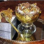 На столах гурманов появились «золотые» деликатесы…