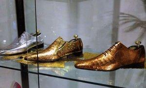 «Ярмарка тщеславия» в Вероне предлагала суперкар, яхту и золотой гроб