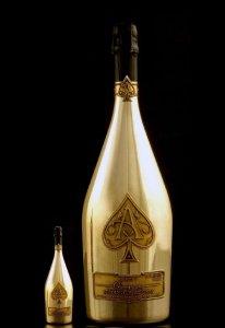 Золотая бутылка шампанского стоит $100.000