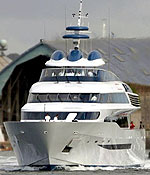 Имам исмаилитов-низаритов заплатил за яхту четверть своего состояния