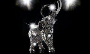 Дизайнеры Villari предлагают платиновых слонов в «одежде» от Swarovski