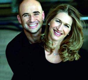 Андре Агасси показал фото голой супруги за деньги