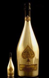 Самое дорогое в мире шампанское было разбрызгано в одном из ночных клубов