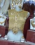 Модницы будут щеголять в 3-килограммовых блузках их чистого золота