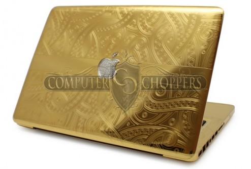 Компания Computer Choppers одела ноутбук MacBook Pro в золотой корпус с бриллиантовым «яблоком»