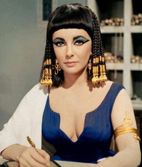 Знаменитый парик «Клеопатры» выставили на торги