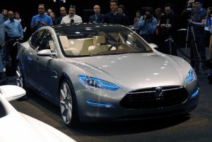Седан «Tesla Model S» - электрокар премиум-класса