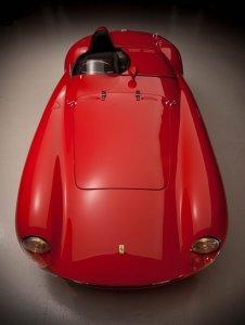 Легендарный Ferrari 750 Monza Spyder продают за $3 000 000