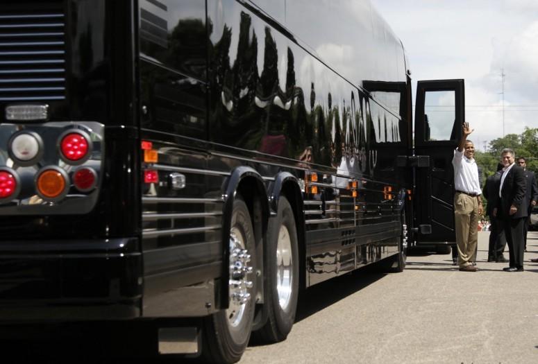 Белый Дом купил два бронированных автобуса