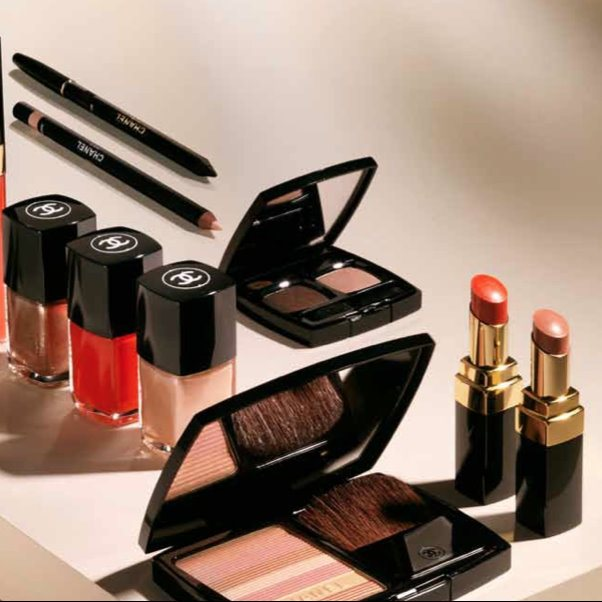 Декоративная косметика от Chanel 2012