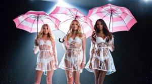 «Ангельские» девушки Victoria's Secret учатся танцевать под дождем (видео)