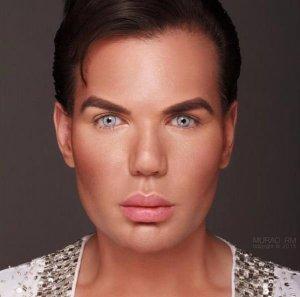 Родриго Альвес потратил всё дедушкино наследство, чтобы стать похожим на «жениха Барби»